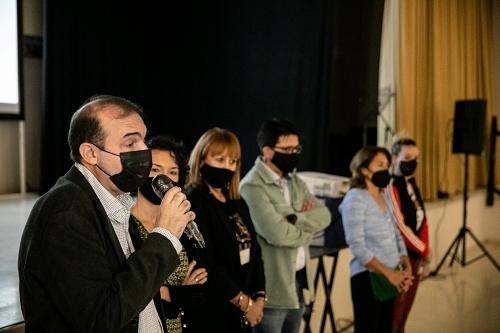 Internos de 'El Acebuche' disfrutan de 'Salir del Ropero' antes de su proyección en FICAL