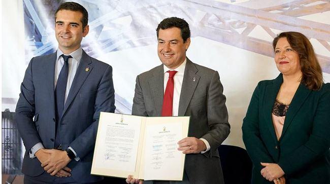 Moreno rubrica con 'Ecomares' el compromiso con la flota pesquera para proteger el litoral