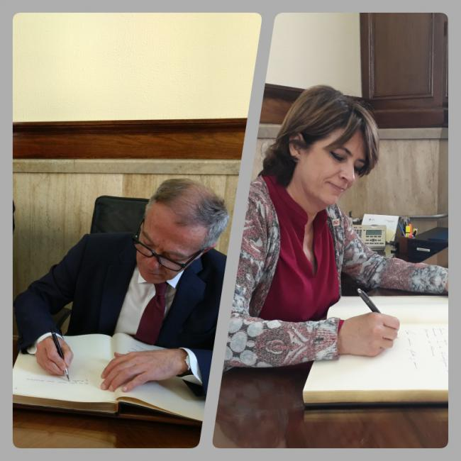 Subdelegación estrena Libro de Firmas con Guirao y Delgado
