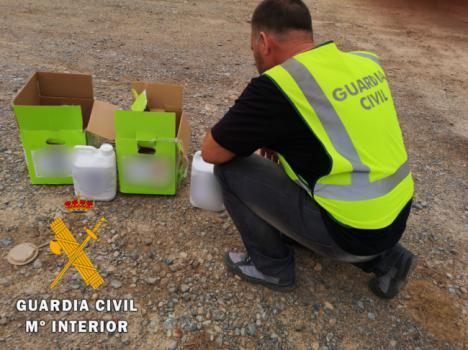 Un detenido y un investigado por la compraventa de fitosanitarios robados