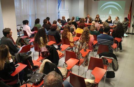 La Junta forma a personal para tratar a menores culpables de violencia de género