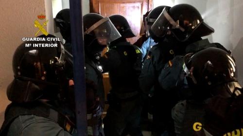 """La Guardia Civil desarticula una red delictiva dedicada a la venta de droga """"low cost"""""""