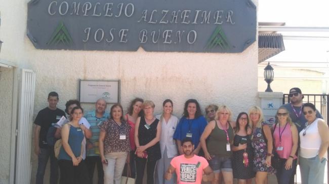 Alumnos del Bajo Andarax visitan el 'Centro de Alzheimer José Bueno'