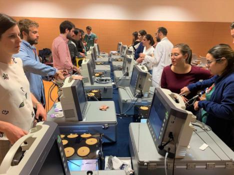 Médicos residentes de Almería acuden a un curso sobre cirugía endoscópica en el Hospital San Cecilio