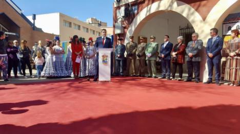 Viator homenajea en el Día de Andalucía a La Legión