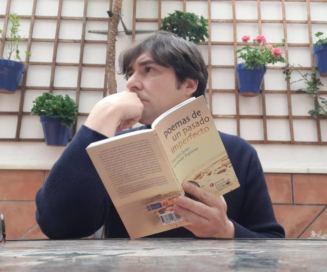 El IEA publica 'Poemas de un pasado imperfecto' de Francisco Javier Fernández Espinosa