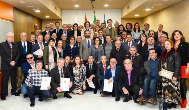 51 empleados municipales se jubilan con el Escudo de Oro