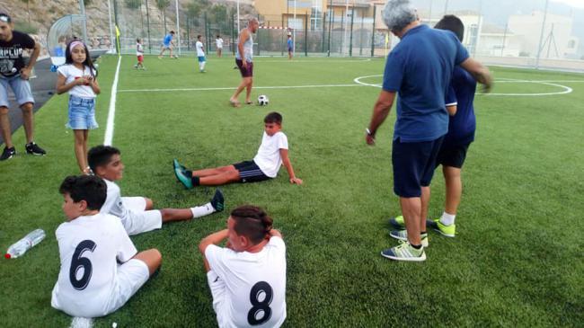 La Nueva Temporada De Escuelas Deportivas De Vícar con Tiro Con Arco Y Fútbol 5