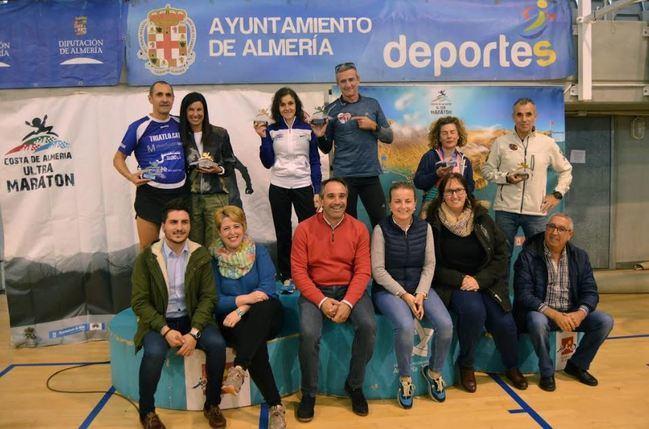 Antonio Carretero y Elena Ugena ganan la V Ultramaratón Costa de Almería