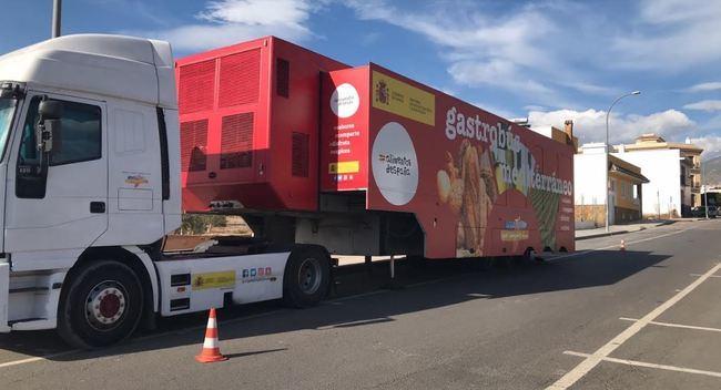 El Gastrobús de la dieta mediterránea hace una parada en Berja