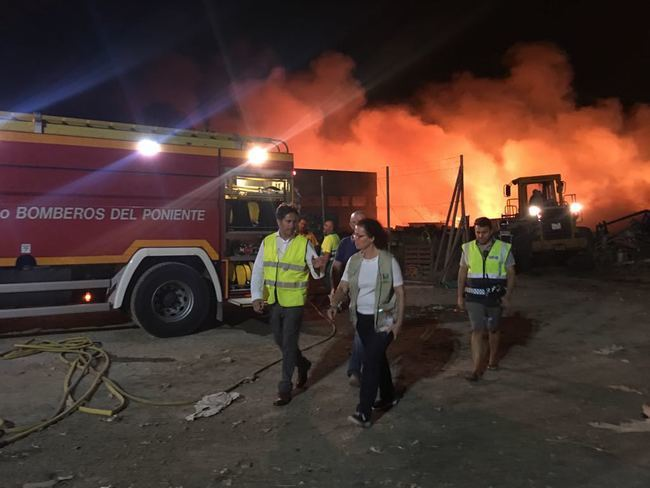 Guardia Civil investiga el incendio ya controlado en Demplastic