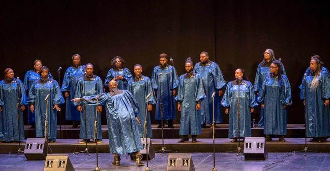 El poder espiritual y vocal de Alabama Góspel Choir pone en pie al Maestro Padilla
