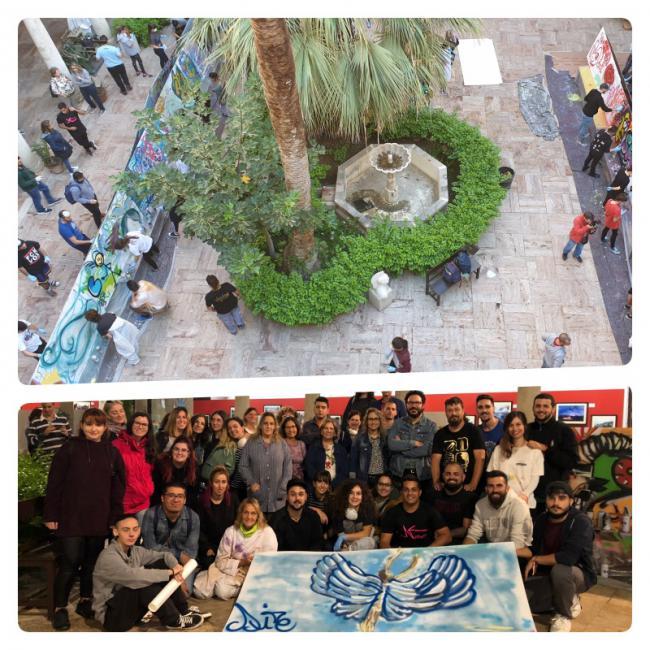 Jóvenes almerienses participan en un taller de grafiti inclusivo