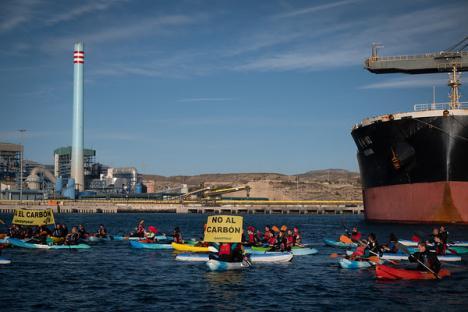 Greenpeace y Ecologistas en Acción rechazan retrasar el cierre de la térmica de Carboneras