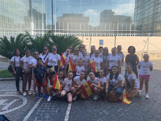 """Alumnas de danza de la Escuela Municipal de Cuevas participan en Roma en """"Vive tu sueño"""""""