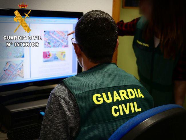Tres detenidos por robar en El Ejido joyas valoradas en 4.500 euros