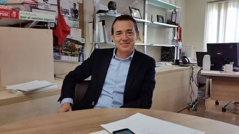 """Pérez Navas: """"seré senador para llevar los problemas de Almería si el alcalde de turno no los está solucionando"""""""