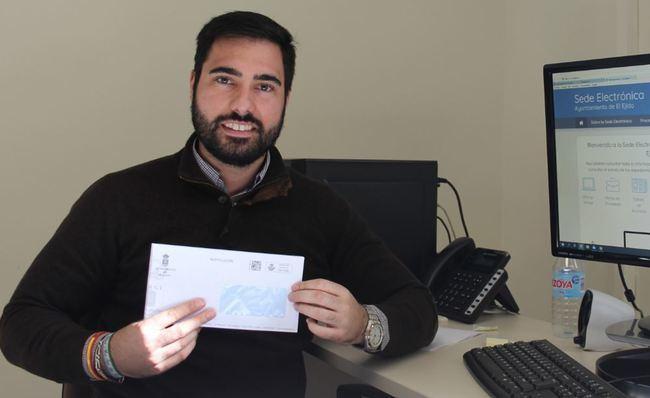 El Ayuntamiento de El Ejido incluye un código QR en sus sobres
