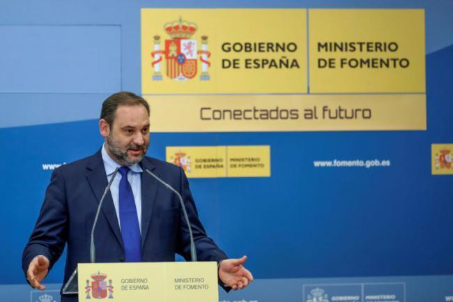 Ábalos confirma los plazos de ADIF para el Corredor por Almería