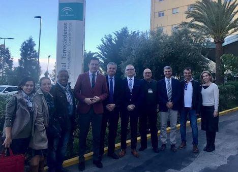 El director general de Cuidados Sociosanitarios visita Torrecárdenas
