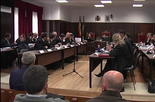 La Fiscalía rebaja las penas a los acusados de la Operación Poniente
