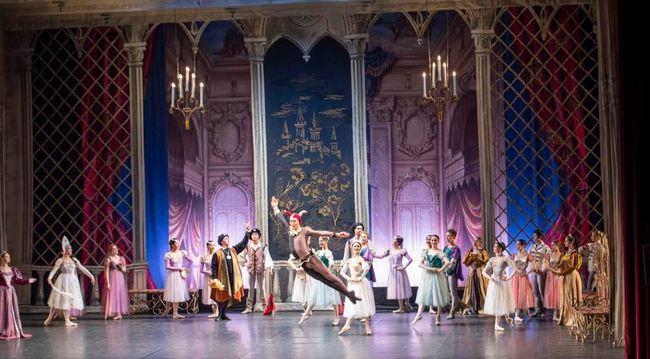 El Ballet Ruso aletea en el Auditorio en un elegante 'Lago de los Cisnes'