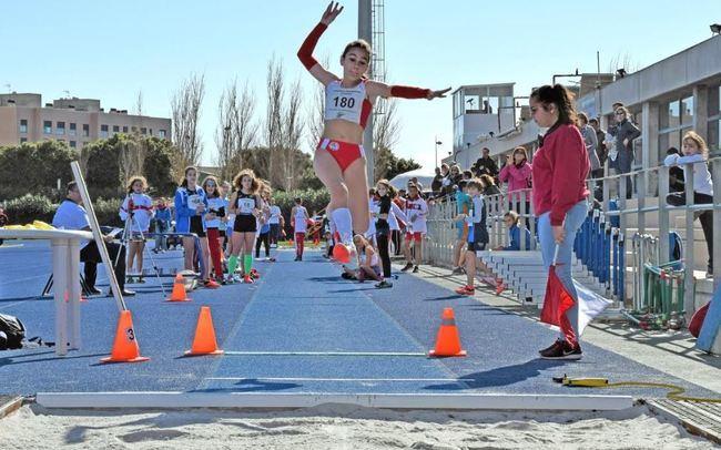 Laura Zarauz y África Castillo baten el récord nacional Sub14 de Salto de Longitud
