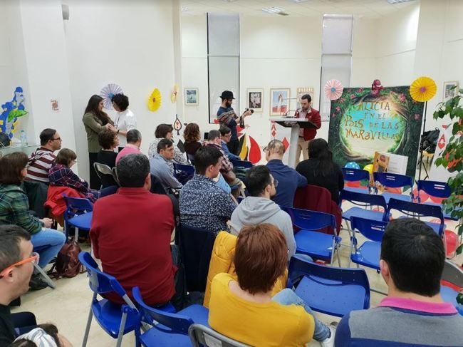 Carlos Sánchez participa en la lectura inclusiva organizada por Down Almería - Asalsido