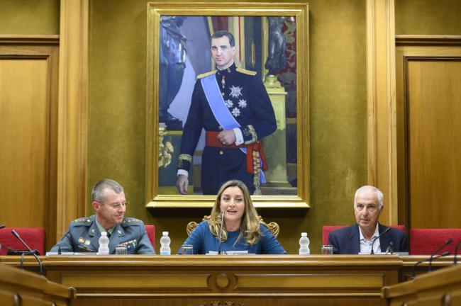 La Guardia Civil presenta 'Torres en Verde' sobre las 32 fortificaciones del litoral almeriense