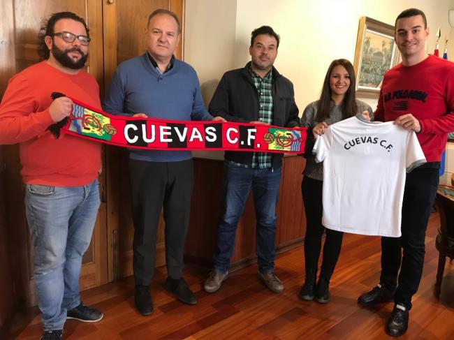 El Ayuntamiento renueva el convenio de colaboración con el Cuevas C. F