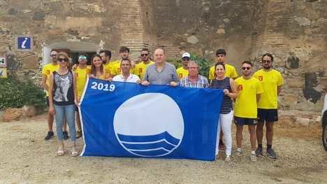 Cuevas del Almanzora luce su bandera azul
