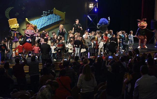 Los Lunnis cuentan la Historia en un concierto que llenó el Auditorio