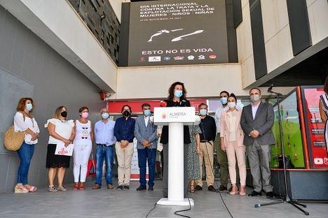 Almería muestra su rechazo a la explotación sexual y la trata de mujeres y niños