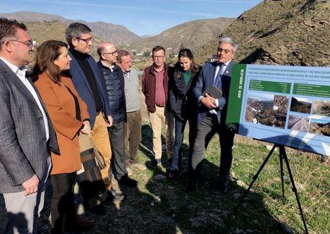 Crespo anuncia la licitación de la segunda fase para la restauración del río Adra