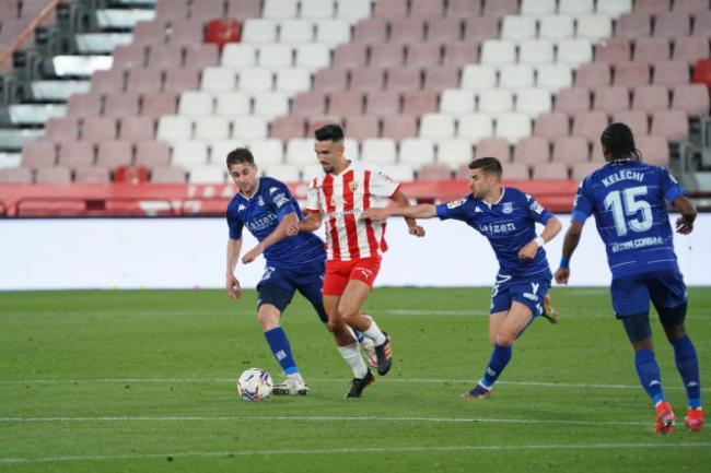 0-0: El Almería sigue en ascenso directo a pesar del resultado