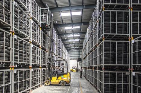 Firma almeriense Primaflor recurre a la tecnología de litio para mejorar la sostenibilidad de sus almacenes