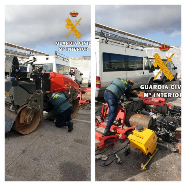 Recuperan en el puerto de Almería maquinaria pesada robada en tres provincias