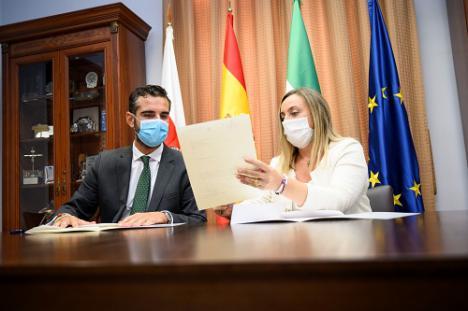 Ayuntamiento y Junta piden por carta a Fomento información de la llegada del AVE