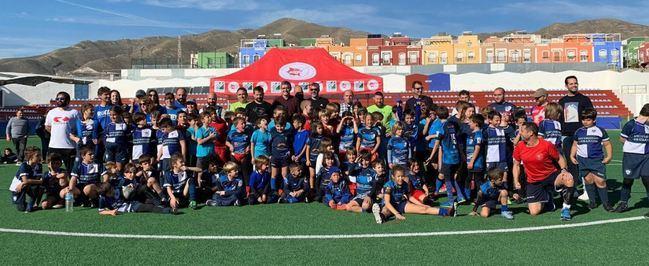 """Marrajos Rugby celebra su trofeo para que """"ningún niño se quede sin regalo en Navidad"""""""