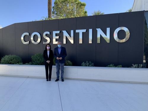 Marta Bosquet en Cosentino: 'Es y debe ser un aliado de la Junta en Andalucía en exportación, innovación y liderazgo'