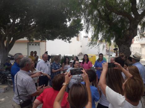 Los Mayores De Vícar Celebran Su Día Con Un Encuentro En La Plaza Cervantes