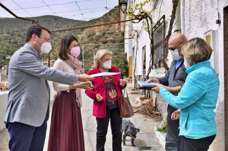 Diputación impulsa un proyecto para 'digitalizar' a los mayores en los municipios más pequeños