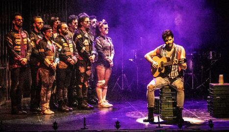 Mayumana irrumpió con fuerza en el 41 Festival de Teatro de El Ejido