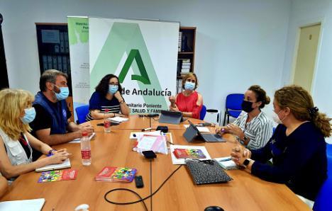 Distrito Poniente se reúne con Médicos del Mundo para trabajar con la población vulnerable