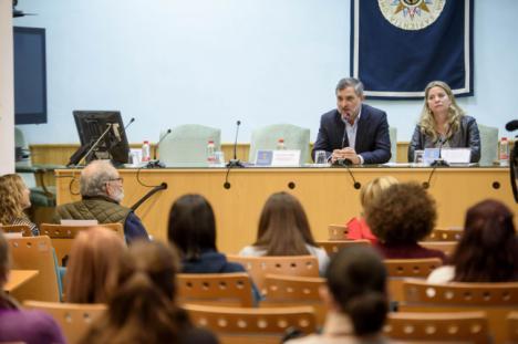 Diputación forma a los profesionales de la provincia sobre mediación familiar