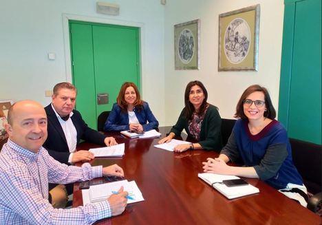Por primera vez Ayuntamiento y Junta abordan juntos el arreglo de colegios