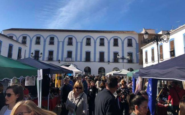 El mercadillo de la Fundación Madre Trinidad vuelve a Berja
