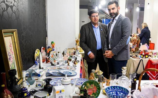 El alcalde anima a visitar hasta el día 5 el rastrillo de Manos Unidas
