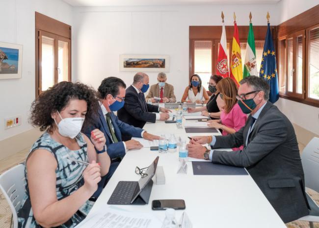 La Mesa del Parlamento Andaluz expresa en Almería su compromiso con las infraestructuras provinciales