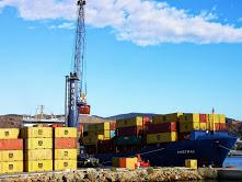 Cuatro buques de mercancías operaron a la vez en el muelle de Poniente